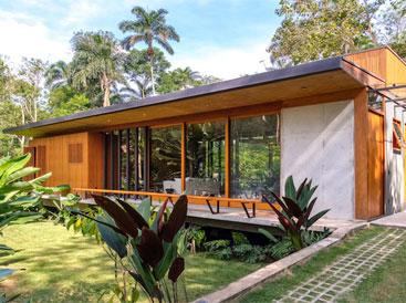 Ngôi nhà gỗ tuyệt đẹp hòa với thiên nhiên